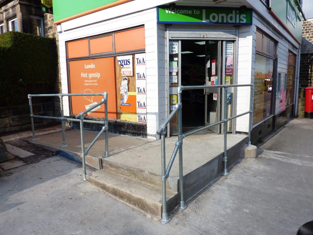 Tubeclamp handrail