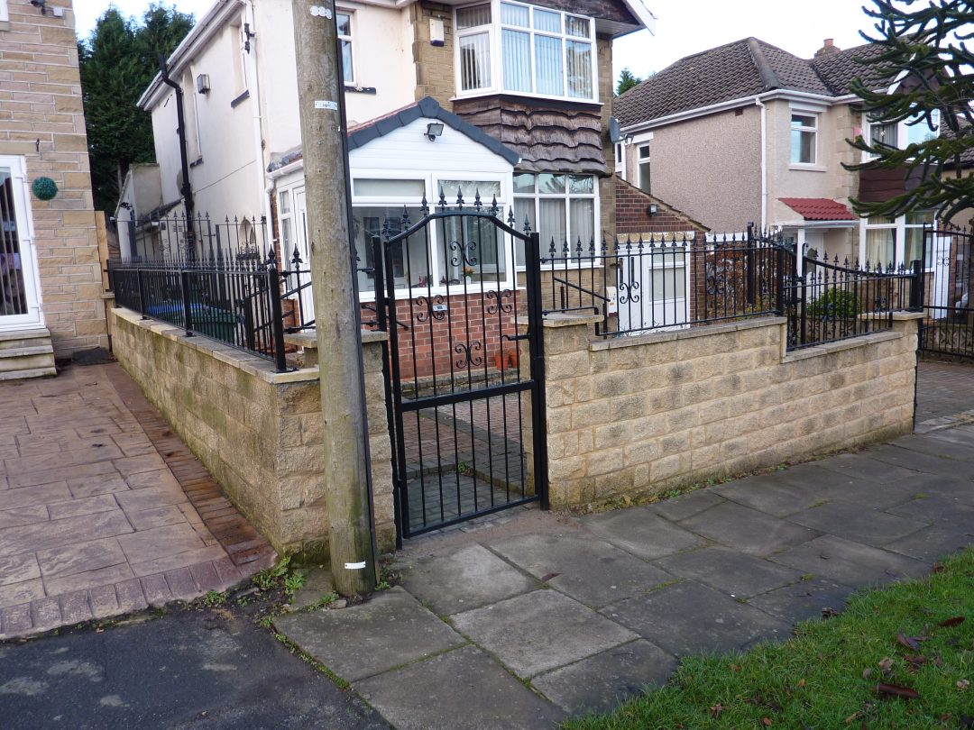 Bi-folding Gate And Railings