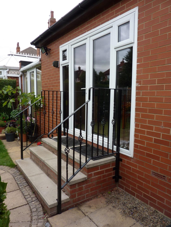 Door Step Handrail LS16