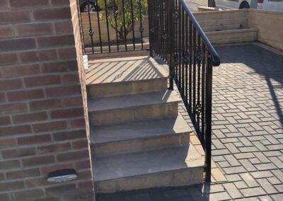 Door Step Handrail In Tong