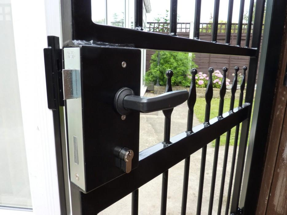 Jamie Gate Lock 1